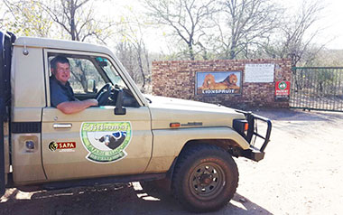 - Ian Otto from Uitkoms Safaris in Limpopo arrives at the Lionspruit (Leeuspruit) Game Reserve.